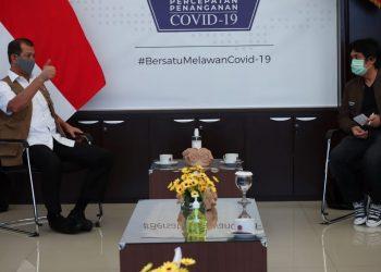 foto: iskusi Ketua Gugus Tugas Nasional Doni Monardo (kiri) dengan Ketua Himpunan Pengusaha Muda Indonesia (HIPMI) H. Maming Mardani (kanan) (29/6). (M Arfari Dwiatmodjo)/Net