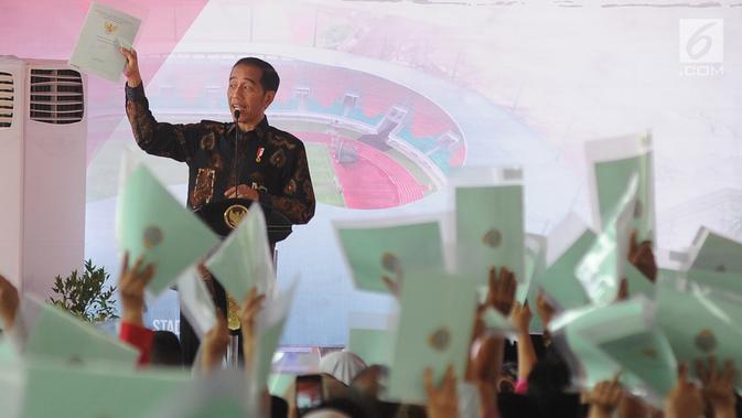Jokowi saat membagikan sertifikat prona di jambi beberap tahun kalau/ist.net