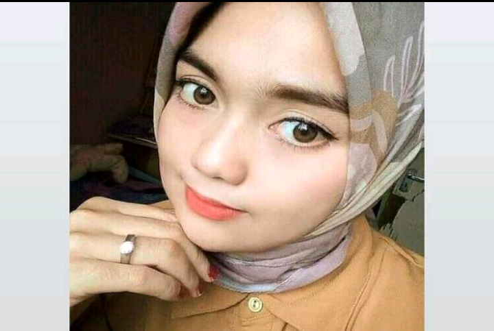 Melani Dwi Risana (30) warga Pemayung, Kabupaten Batanghari, Jambi meregang nyawa usai menjadi korban tabrak lari, Sabtu (3/4/2021). Foto/iNews TV/Joni Fidaus